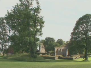 瑞典:      Alvastra monastery ruin