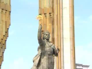 Душанбе:  Таджикистан:      Памятник эмиру Исмаилу Самани