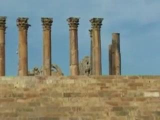 Джараш:  Иордания:      Античные колонны Храма Артемиды
