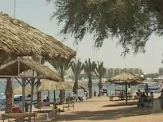 アカバ:  ヨルダン:      Beach in Aqaba