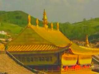 青海省:  中国:      Buddhist sacred of Tibetan Plateau