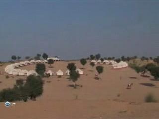 拉贾斯坦邦:  印度:      Campground in the Thar Desert