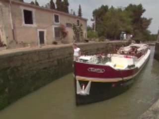 Bourgogne:  France:      Canal de Bourgogne