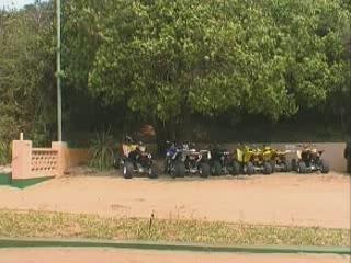 Ponta do Ouro:  モザンビーク:      Carting Parque de Malongane