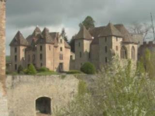 Bourgogne:  フランス:      Castle of Couches
