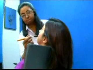 カラチ:  シンド州:  パキスタン:      Chain of beauty salons in Karachi