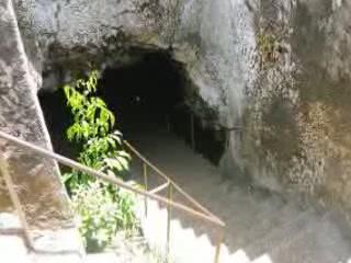 桑给巴尔群岛:  坦桑尼亚:      Coral Cave Mangapwani