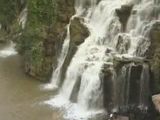 安得拉邦:  印度:      Ethipothala Falls
