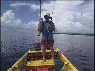 ソロモン諸島:      Fishing in Solomon Islands