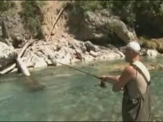 الجبل_الأسود:  Kolasin:      Fishing on the river Tara