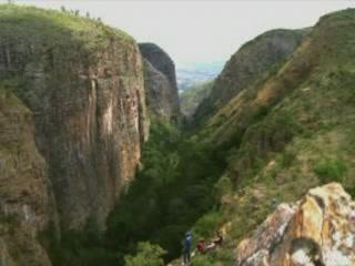 ブルンジ:      Germans' Gorge