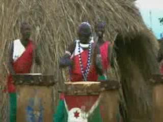 Бурунди:      Гишора - деревня священных барабанов