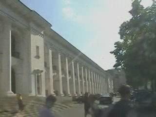 Podil:  Kiev:  Ukraine:      Gostinyi dvor in Kontraktovaya Square