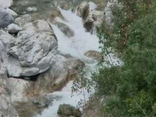 Дион:  Греция:      Река Геликон