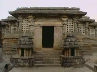 卡纳塔克邦:  印度:      Hoysaleswara Temple