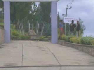 卢旺达:      Kamembe
