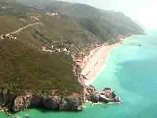 Lefkada:  ギリシャ:      Kathisma beach