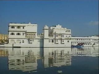 Удайпур:  Раджастхан:  Индия:      Озёрный дворец