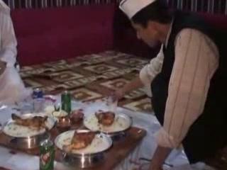 Эр-Рияд:  Саудовская Аравия:      Местная кухня