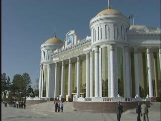 アシガバート:  トルクメニスタン:      Magtymguly National Music and Drama Theater