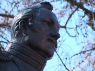 クロンシュタット:  サンクトペテルブルク:  ロシア:      Makarov Monument