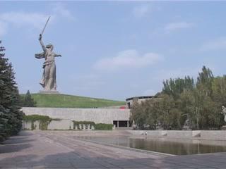 ヴォルゴグラード:  Volgogradskaya Oblast':  ロシア:      ママエフ・クルガン