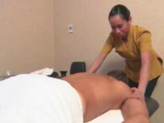 ドバイ:  アラブ首長国連邦:      Massage at Shangri-La Hotel