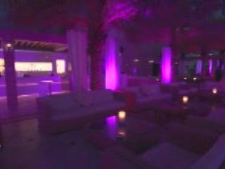Дубаи:  Объединенные Арабские Эмираты:      Зона ночного отдыха в отеле Шангри-ла