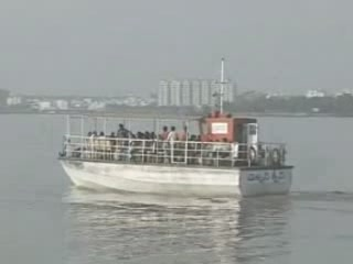 Hyderabad:  Andhra Pradesh:  India:      River cruises in Hyderabad