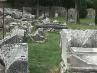 Солин:  Хорватия:      Руины римского театра в Солине
