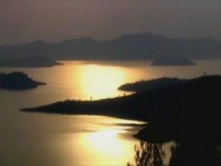 卢旺达:      卢旺达