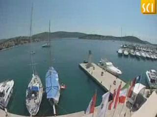 希贝尼克:  克罗地亚:      Sailing in Sibenik