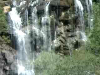 タジキスタン:      Sari-Hosor