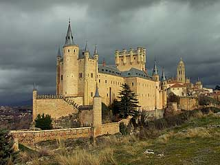 马德里:  塞哥维亚:  西班牙:      Segovia, architectonics