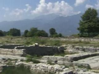 Дион:  Греция:      Поселение колонистов в Дионе
