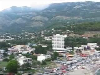 黑山:      Sutomore