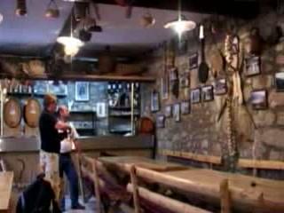 Kokorići:  クロアチア:      Tavern in Kokorici