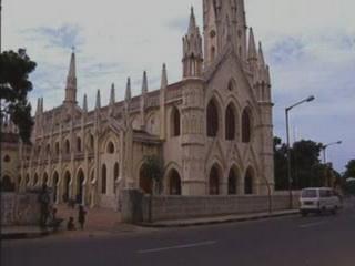 チェンナイ:  タミル・ナードゥ州:  インド:      San Thome Basilica