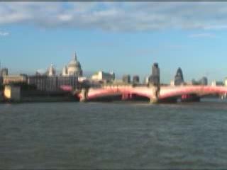 伦敦:  英国:      Tour of the Thames