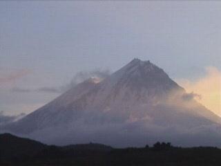 Kamchatskaya Oblast\':  ロシア:      Volcanoes of Kamchatka