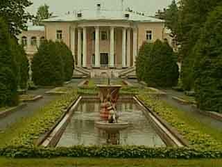 Moskovskaya Oblast':  ロシア:      Vvedenskoe Manor