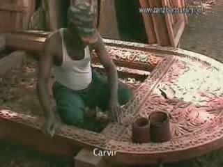 ザンジバル諸島:  タンザニア:      Wood Carving in Zanzibar