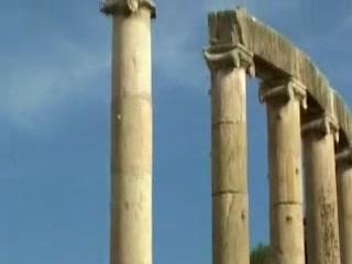 Jerash:  Jordan:      Zeus temple in ancient city