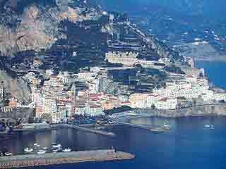 坎帕尼亚:  意大利:      阿马尔菲