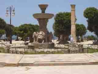 阿尔及利亚:      歇尔谢尔