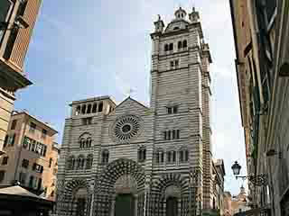 صور Genoa Cathedral معبد