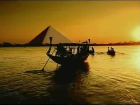 埃及:      吉薩金字塔群