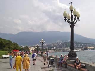 克里米亚:  乌克兰:      雅尔塔