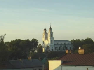 拉脱维亚:      卢扎
