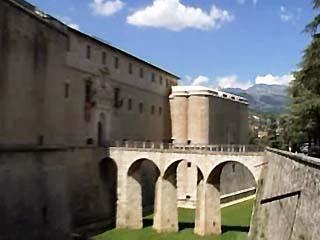 Abruzzo:  イタリア:      L`Aquila